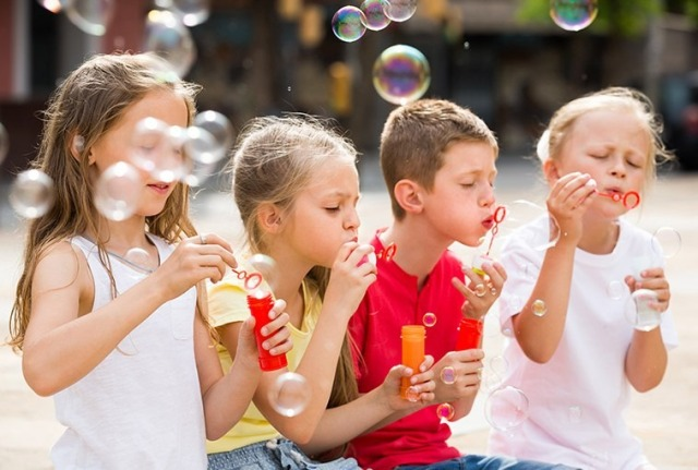 Children-blowing-bubbles.jpg